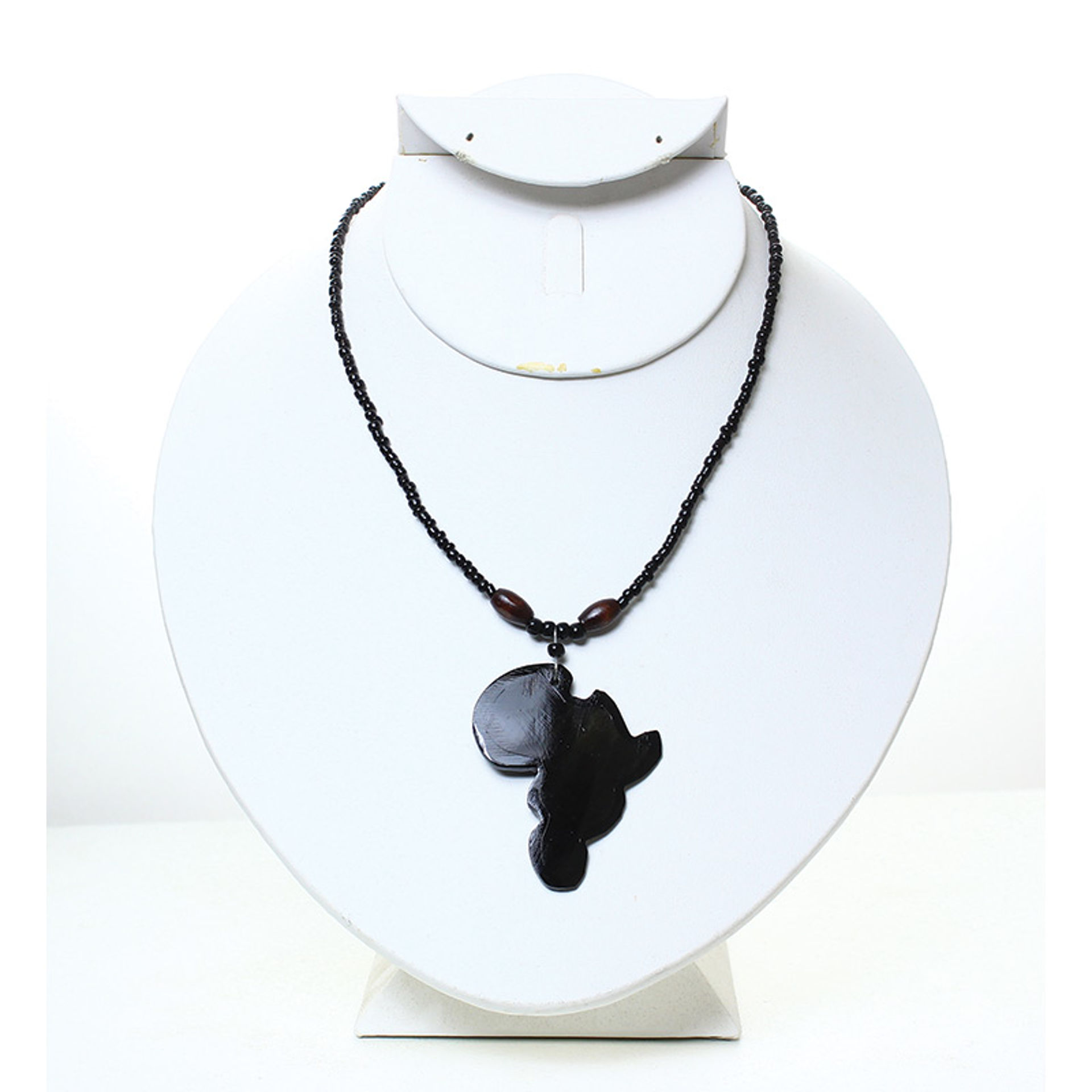 Picture of Africa Pendant Necklace: Solid Black