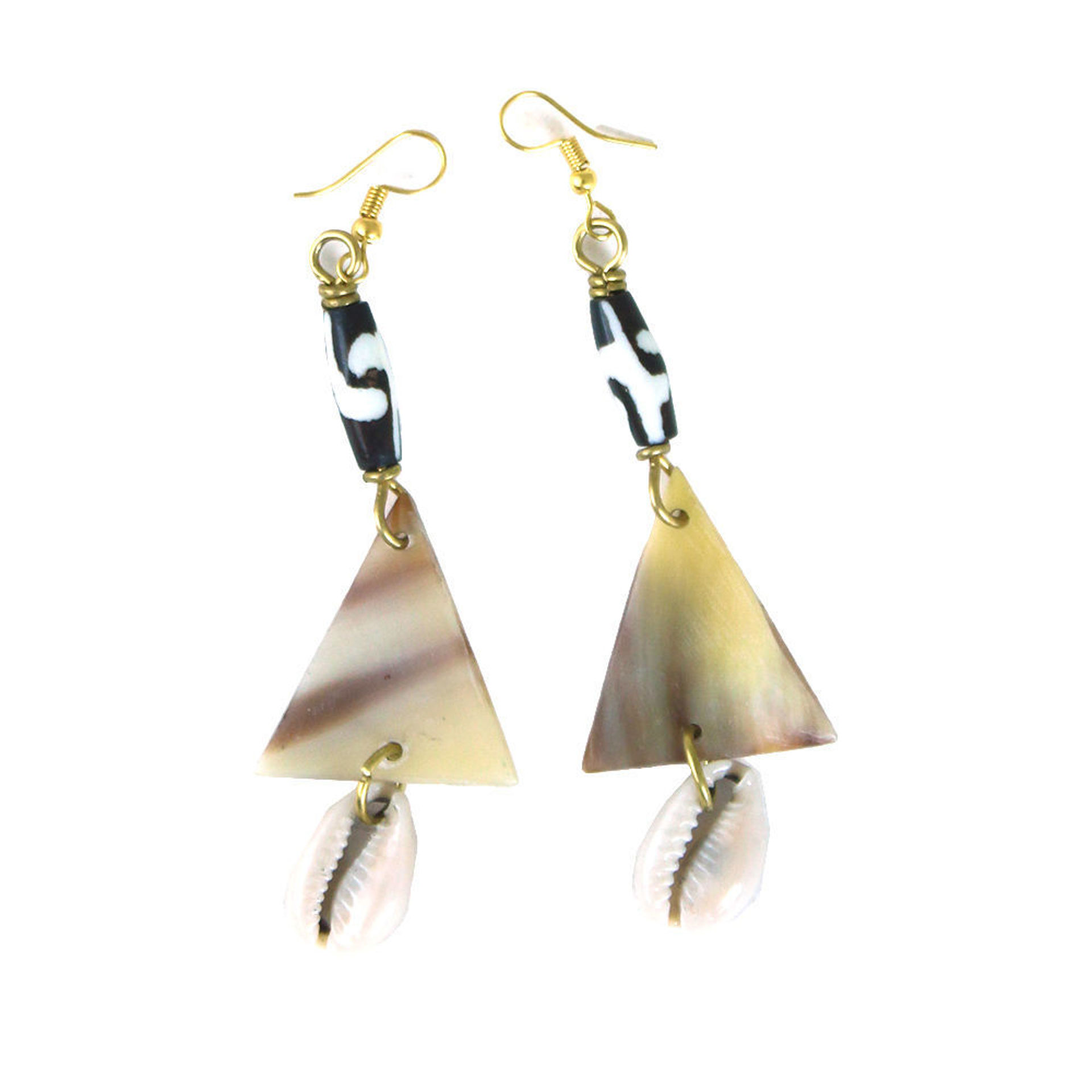 Picture of Bone Triangle Horn & Cowrie ShelEarrings